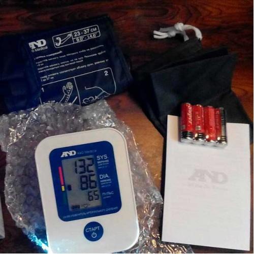 Тонометр AND UA-888 автоматический c графическим индикатором