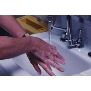 Должны ли врачи «Скорой помощи» мыть руки на вызовах?