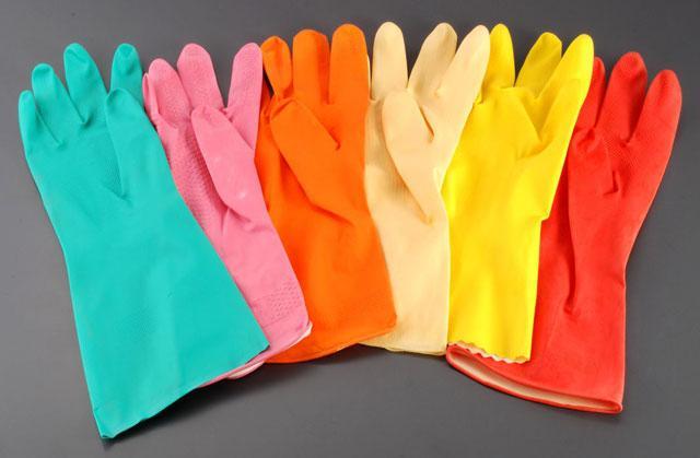 Латексные перчатки для санитарных работ в ассортименте